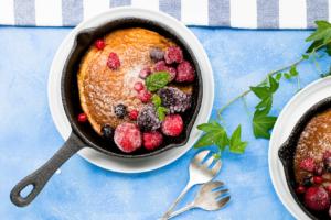 Pfannkuchen in gusseiserner Pfanne